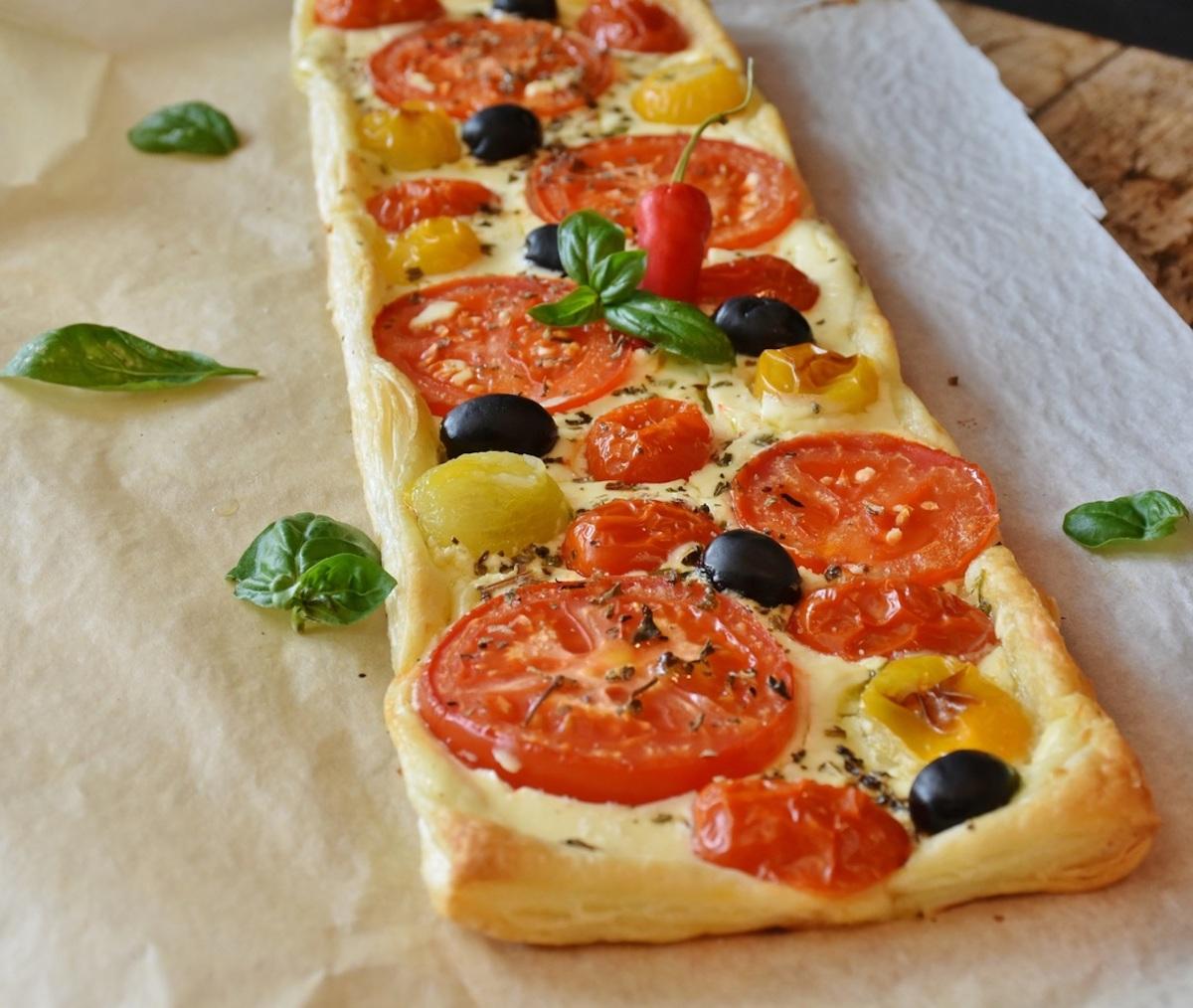 Tomato and olive focaccia (TM)